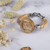 LadyのためのほとんどのPopular Unique Style Olive Wood Bracelet Watch
