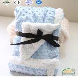 Свет - одеяло любимчика голубого цвета толщиное на зима