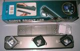 Encender cualquier proyector del LED del eslabón giratorio 3 o 9 de la pista de la dirección para el armario, cabina accionada por la batería de 3AAA Dycell