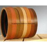 Bordure foncée de PVC de faisceau en bois