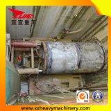 Tpd2800 no subsolo canaliza o levantamento com macaco da máquina