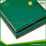 HPLシートかHPLを形作る高圧の積層物またはポスト