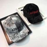 Personalizados a la tapa de la promoción de la moda de alta calidad Suede Gorra con logo bordado