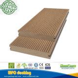 Resistente al agua anti-UV WPC compuesto de plástico de madera revestimientos de suelos de exterior Precio