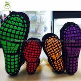 Sola de borracha trampolim meias com garras na parte inferior para adultos e crianças