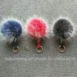 Sfera lanuginosa Pon Pon della pelliccia di fascino del sacchetto della pelliccia del Faux per i sacchetti