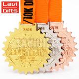 Trofeos de encargo baratos de la medalla de la concesión del deporte del metal 3D de la venta superior para el bádminton