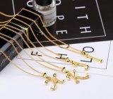 販売の女性の一流のガールフレンドの宝石類のギフトのための金ネックレスの英国の文字の重要な吊り下げ式のチェーンネックレス