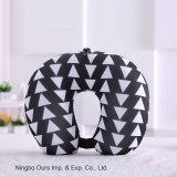 Venta caliente en Blanco y Negro U - Almohadas almohadas de espuma portátil tipo de proveedor chino