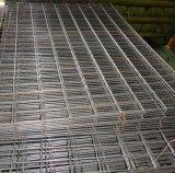 La vendita calda ha galvanizzato il comitato saldato della rete metallica/maglia saldata del filo di acciaio