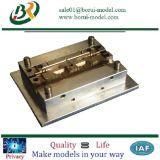 急速なプロトタイプ型の射出成形を機械で造っているOEM