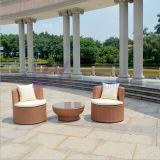 Im Freiengarten-Balkon bequemer gestapelter PET Rattan-Tisch und Stuhl