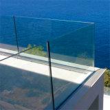 Inferriata di vetro esterna con il sistema dell'acciaio inossidabile
