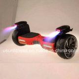 Flamme-Lampe mit dem Selbst, der elektrischen Roller für Erwachsenen balanciert