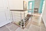 발코니에 있는 로드 단단한 방책 또는 층계 또는 Decking