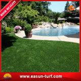 Alfombra sintetizada decorativa de la hierba del jardín de la yarda