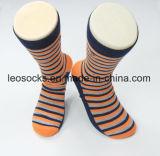 China-Socken-Fabrik-neue Formmens-Baumwollkleid-Socken