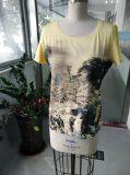 T-shirt avec du charme de femmes de la plus défunte de mode d'été montagne d'impression