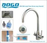 La piattaforma di Dg-S3304-Cr ha montato il rubinetto a tre vie della cucina dell'acciaio inossidabile 304