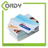 접근 제한에 의하여 주문을 받아서 만들어지는 ID 카드를 위한 Preprinted 카드