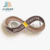 Étiquette nommée d'émail en métal en alliage de zinc fait sur commande d'insigne avec des chevilles de guindineau