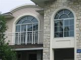 La norma europea de PVC de alta calidad de la ventana deslizante con arcos parte superior de diseño y la parrilla