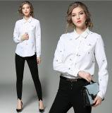 Shirt de longues chemises de broderie de collier de ressort de mode de Madame blanche avec des boutons