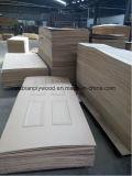 Piel barato moldeado HDF puerta de chapa de madera