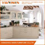 L gabinete de cozinha branco da madeira contínua do estilo