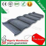 La Camera d'acciaio di alluminio del tetto copre il materiale da costruzione del metallo di tetto dello strato rivestito di pietra delle mattonelle