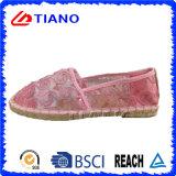 Zapatos planos y cómodos del estilo popular de las alpargatas de las mujeres (TN36702)