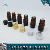 bouteille en verre ambre d'huile essentielle de compte-gouttes du mini cylindre 5ml