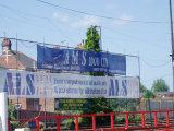 Конструкция рекламируя знамя сетки лесов обручей напечатанное цифров