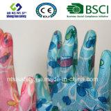 Нитриловые перчатки работы в саду