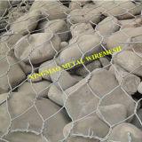 熱い浸された電流を通された/PVCは六角形の石によって満たされたバスケットGabionに塗った