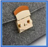 Saco ocasional sentido lãs personalizado projeto do mensageiro da forma, saco de ombro quente do portador das senhoras da promoção com a correia de couro ajustável do plutônio