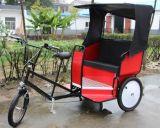 カスタマイズされた3荷車引きの手によって引っ張られる自動人力車