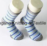Китай носки из хлопка на заводе индивидуальный логотип одежды мужчин носки