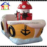 Il giro del Kiddie dell'oscillazione della nave di pirata per il parco di divertimenti scherza il divertimento
