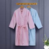 昇進のホーム/ホテルのワッフルの浴衣かパジャマまたはNightwear