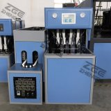 La fabbrica fornisce la macchina di plastica dello stampaggio mediante soffiatura della bottiglia dell'animale domestico semi automatico poco costoso di prezzi 2017