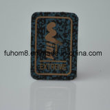 Het douane In reliëf gemaakte Etiket van het Kledingstuk van het Embleem van het Silicone op Gevoelde Stof