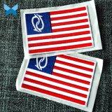 주문 상표 패치에 의하여 수를 놓은 작은 깃발은 의류를 위한 자동 접착 패치를 깁는다