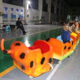 遊園地のための電気無軌道の軽いセンサーの子供のライダーのトレイン