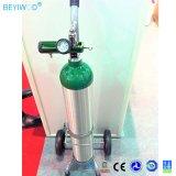 Cilindro de oxígeno de aluminio portátil médica con la válvula y el mango