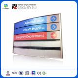 Señal de pared de la oficina modular personalizada K firmar en el Hospital del sistema curvo