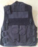 Maglia tattica militare nera con i sacchetti