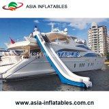 Excelente diseño de yates de hinchable tobogán, tobogán de agua yate lujoso barco a barco
