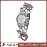 형식 손목 시계 사업은 방수 시계를 본다