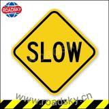 사려깊은 제한 속도 교통 안전 도로 표지